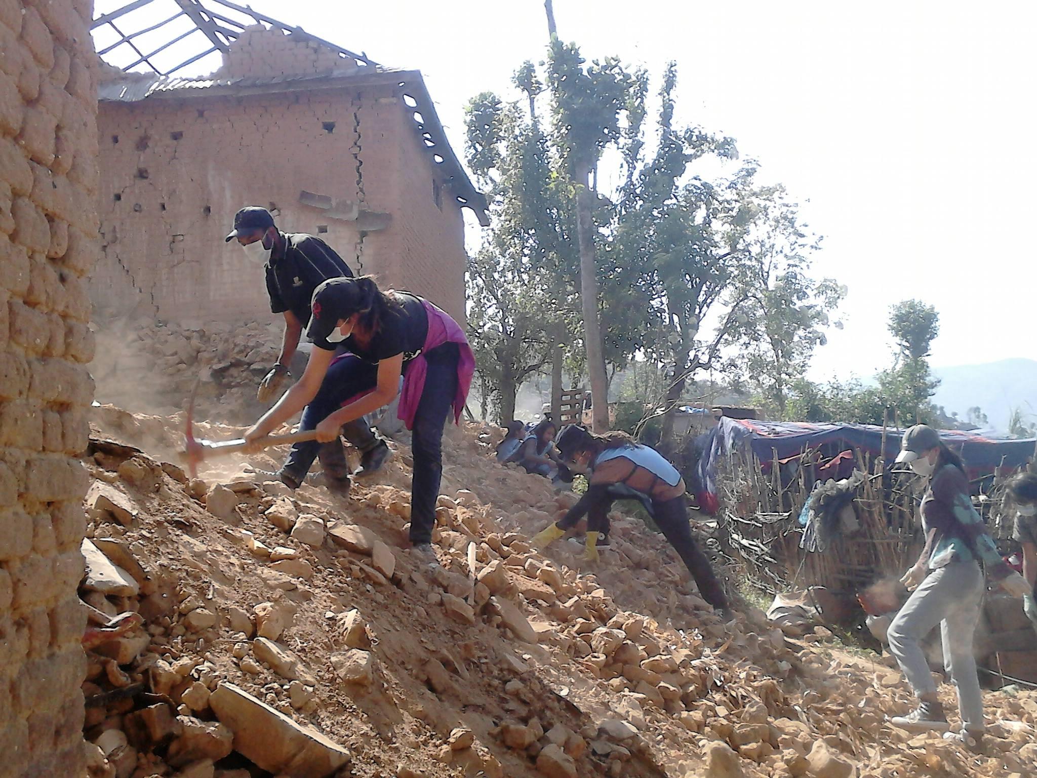 Nepal/2.  Gesuiti e volontari sul campo, ecco i loro racconti