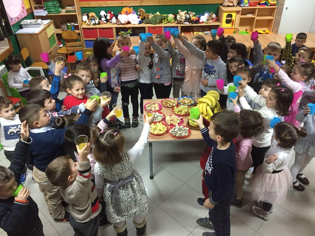 Vaqarr, bambini in festa con gli insegnanti