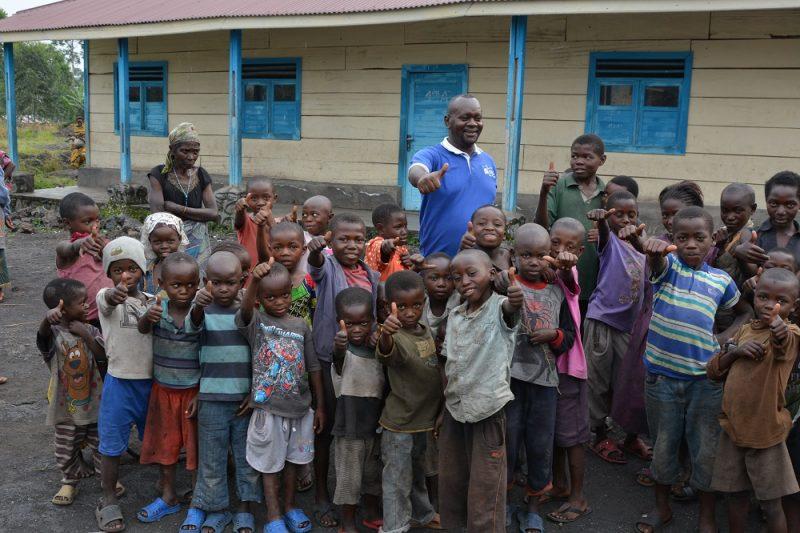 Accompagnare, servire e difendere gli sfollati