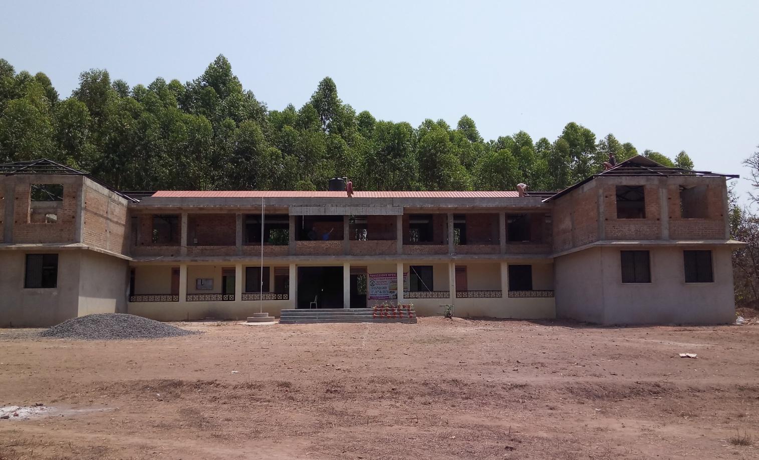 Sangargali: la scuola in costruzione
