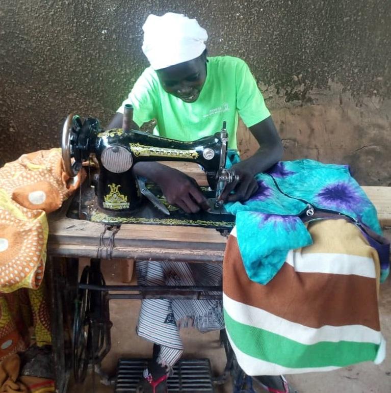 Formare le donne per sostenere l'economia