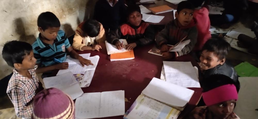 L'educazione per gli adivasi non può andare online